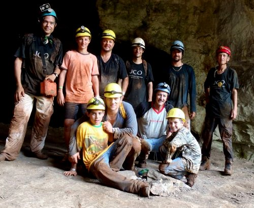 Chris Clarke, Gordon Clarke, Fraser McConnell, Peter McConnell, Toby McConnell, Gregory Worton, and Peter Worton at Swansea Cave