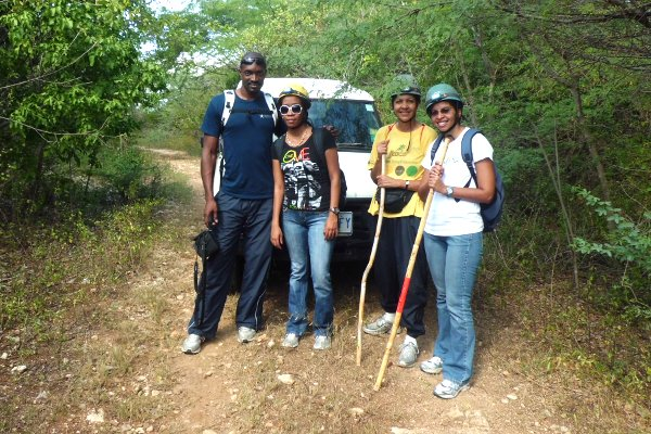 L-R:  Johann Adamson, Nashera James, Patricia Thompson, Nicole Thompson - Jackson's Bay - Jan 5/13